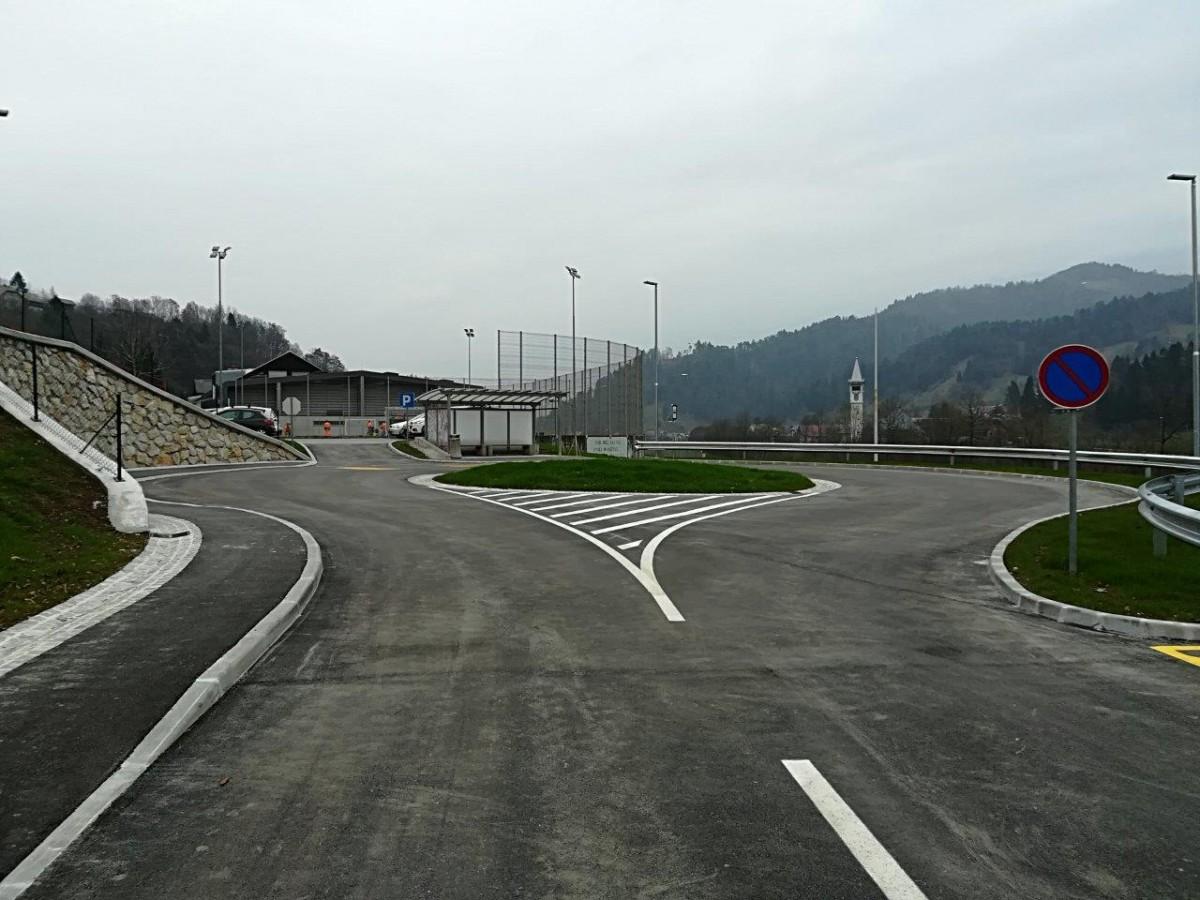 Prometne ureditve ob križišču v Dobje