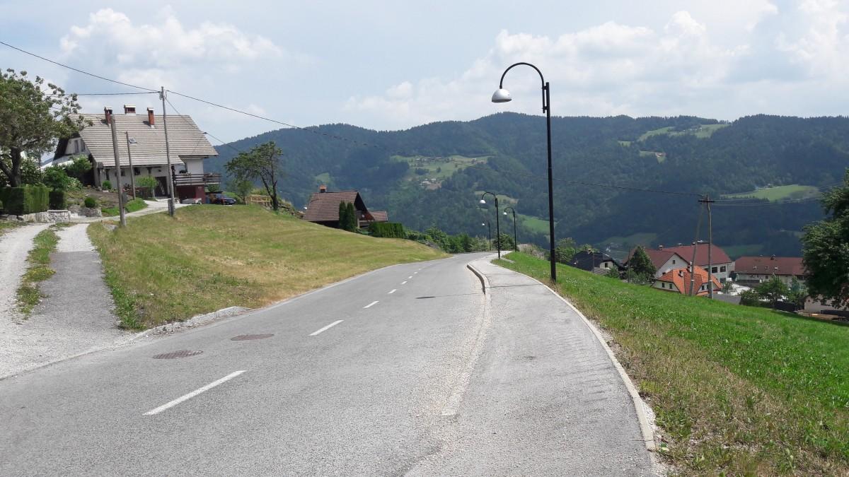 Obnova ceste skozi naselje Javorje