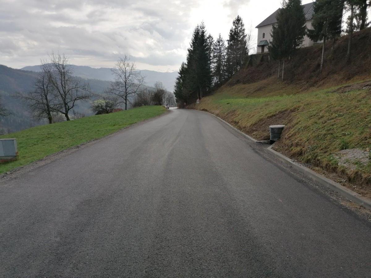 Sanacija ceste v Javorje
