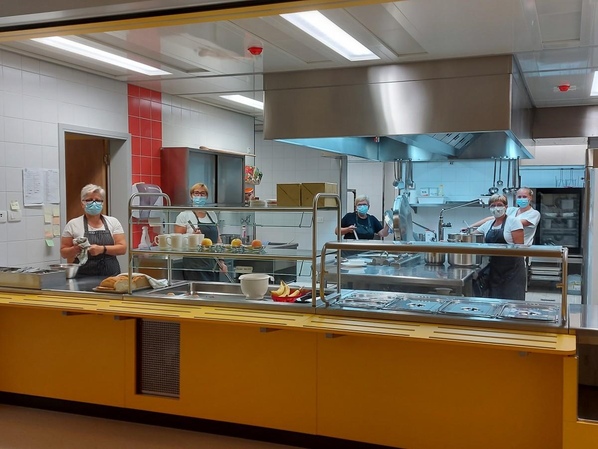 Prenovljena kuhinja v OŠ Poljane. Foto: Špela Režen