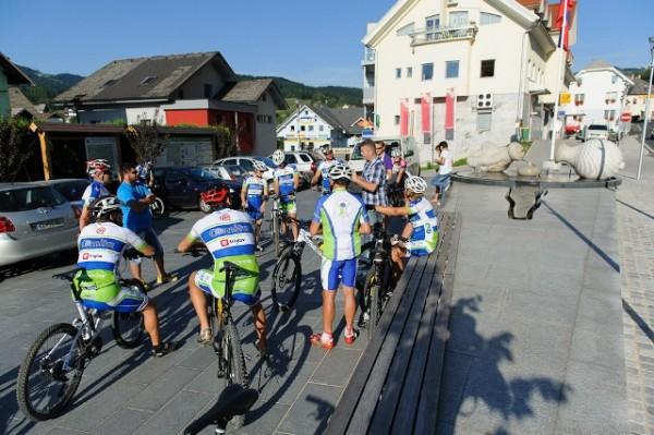 Slovenska biatlonska reprezentanca na občinskem kolesarskem krogu