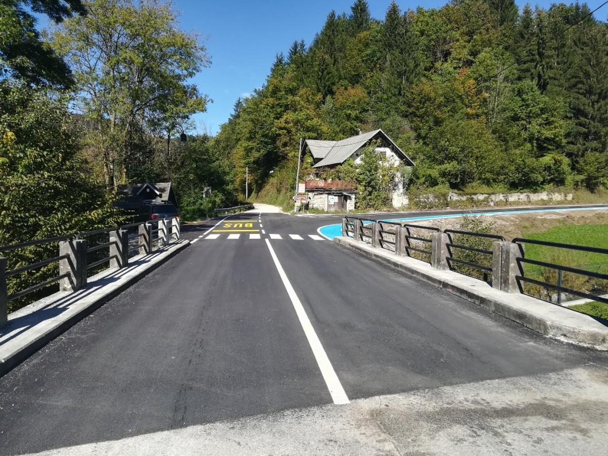 Obnova lokalne ceste Hotavlje – Suša, odsek Tesnar – otroško igrišče. Foto: Gašper Čadež
