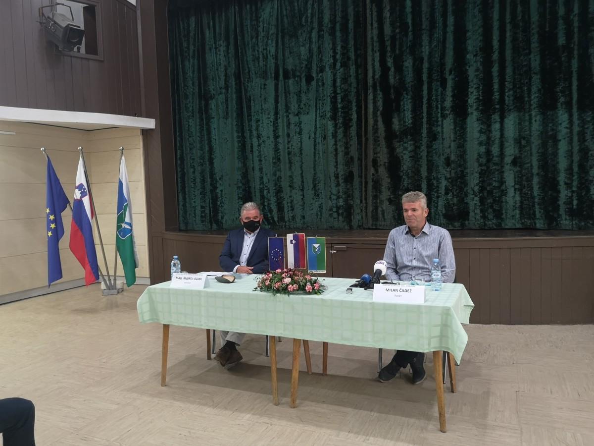 Tiskovna konferenca z ministrom mag. Andrejem Vizjakom