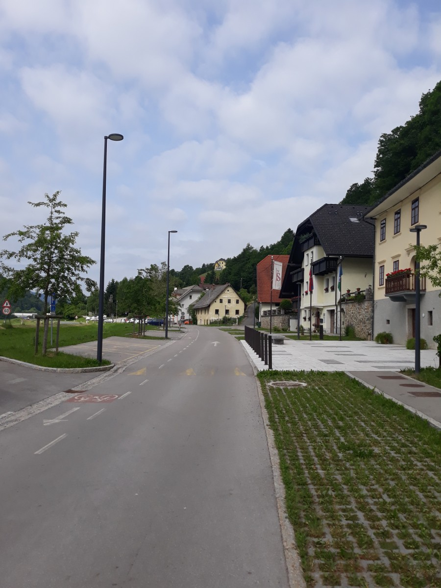 Prometna ureditev do Osnovne šole Poljane