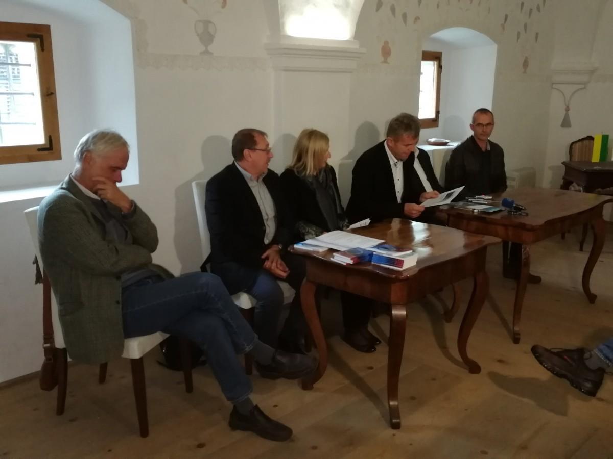 Tavčarjev dvorec in Debeljakova domačija razglašena za kulturni spomenik državnega pomena