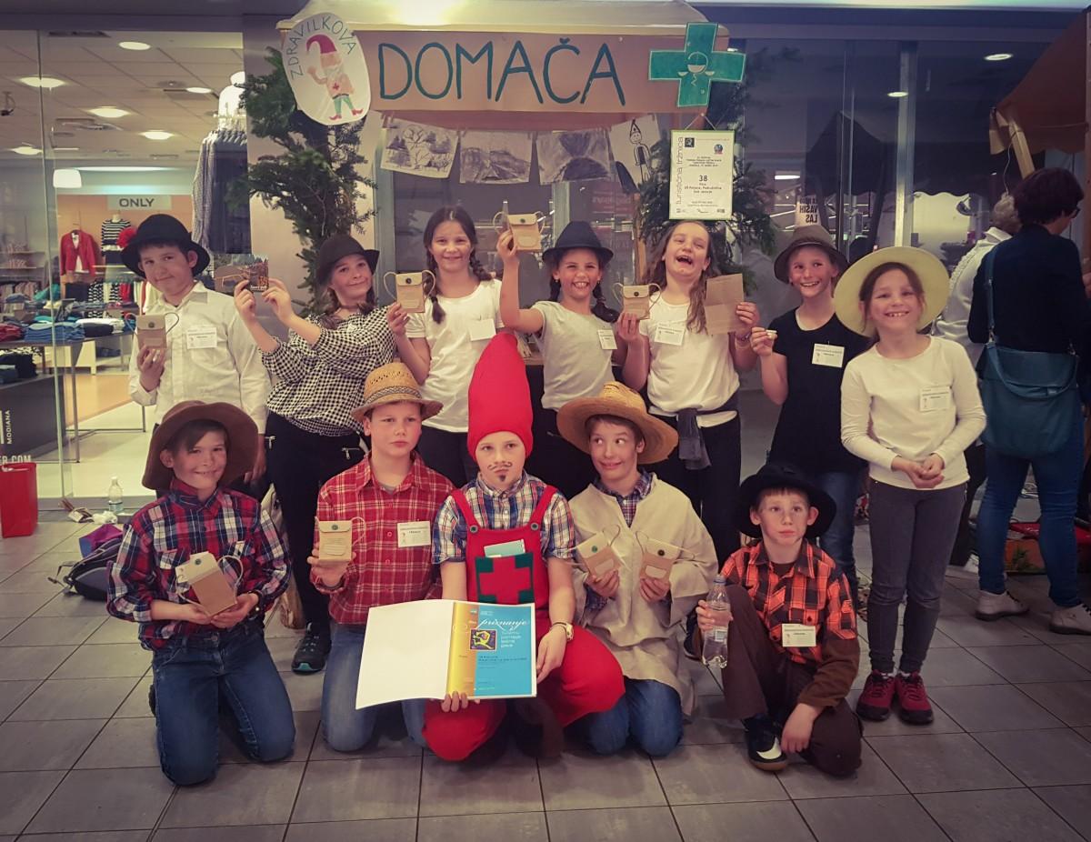 Uspeh naših osnovnošolcev na 33. državnem festivalu Turizmu pomaga lastna glava